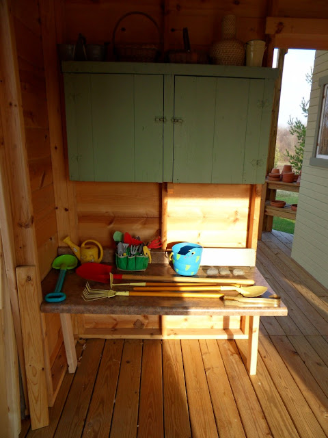 Garden Shed Cabin Kids Work Area