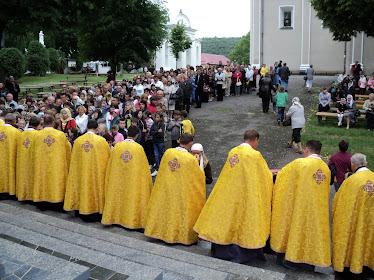 Під час Соборовання у Зарваниці зібралося на молитву більше 500 людей