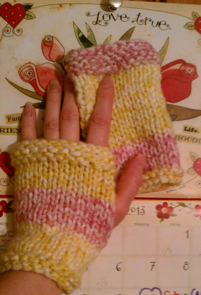 Thankful 4 Wool Easy Fingerless Mitts Free Pattern Knitted Flat