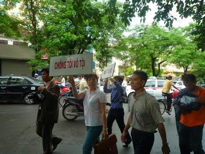 Phạm Hồng Sơn lại chửi GS Nguyễn Huệ Chi