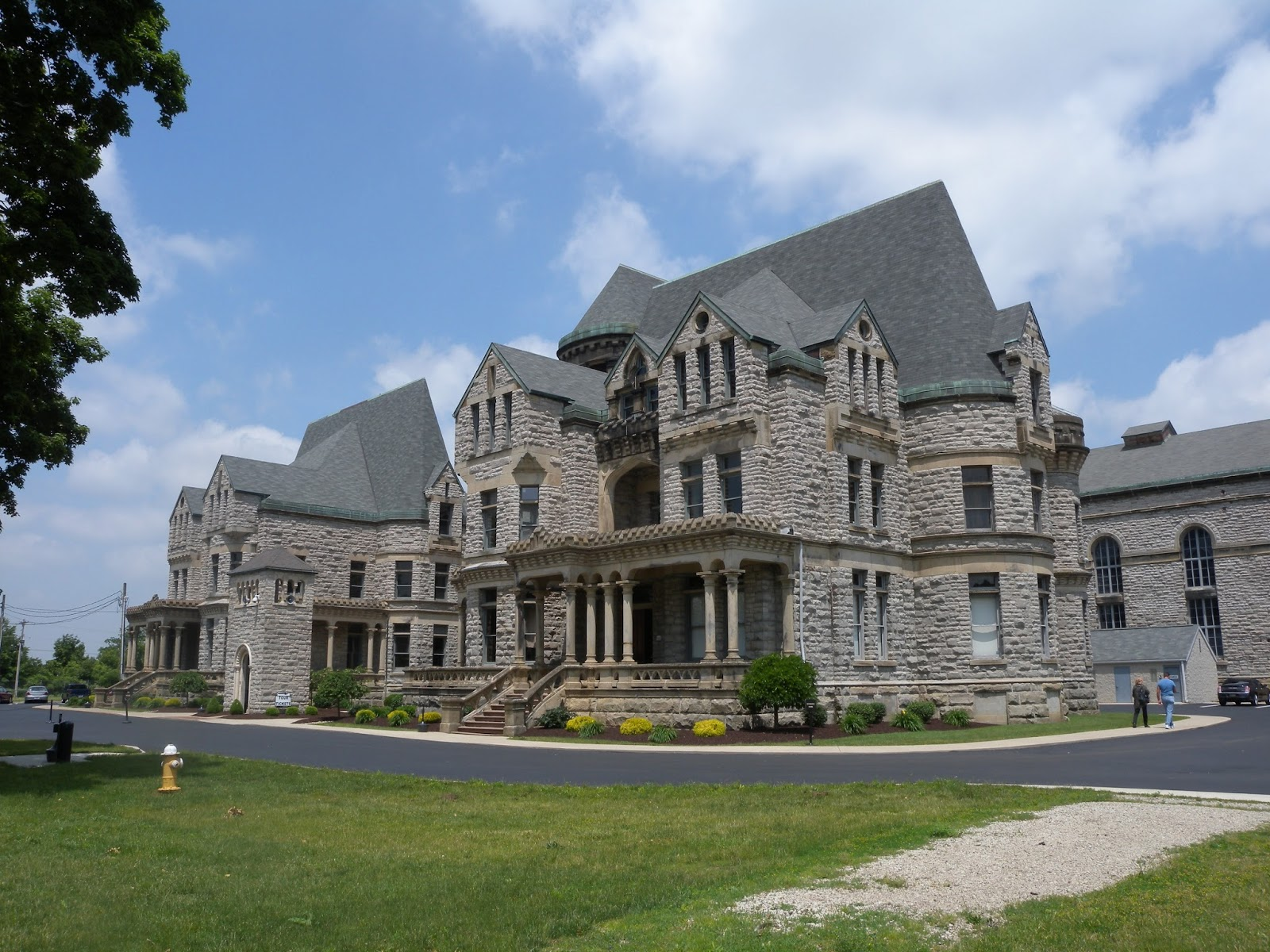 Finding bibelots ohio state reformatory for Castle homes