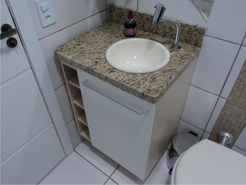 Apê da Dinha e do Alê A Escolha do Granito -> Bancada De Banheiro Pequeno Em Granito