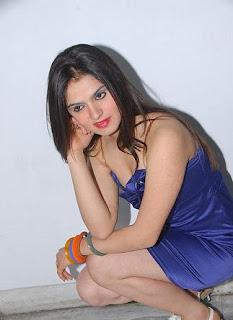 South Indian Actress Shefali Sharma Unseen Photos