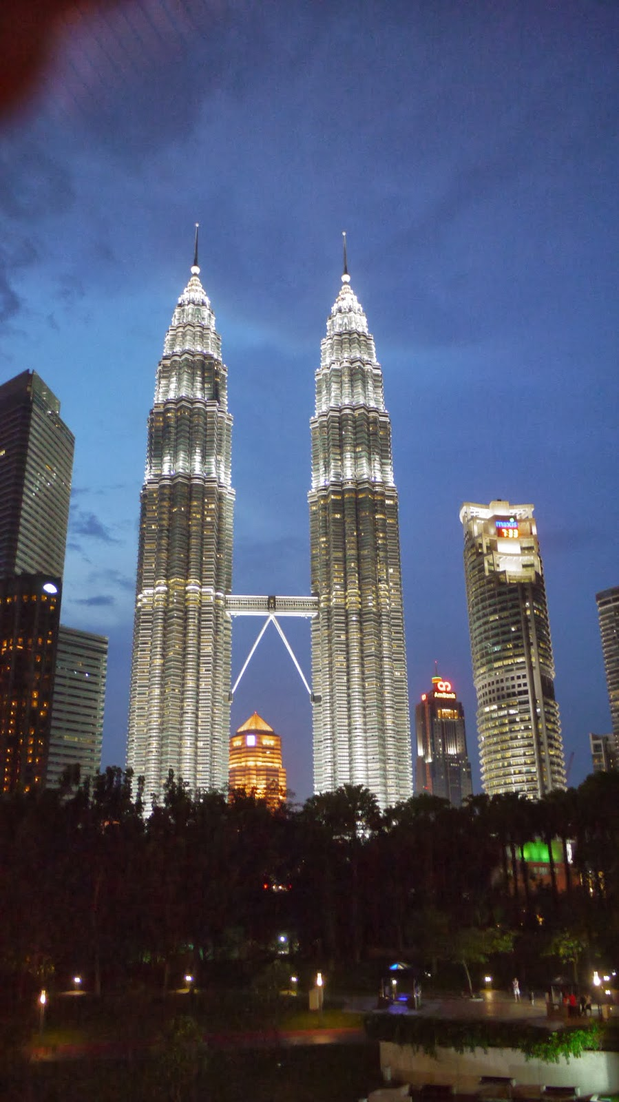 tourism industry in malaysia Introduction to tourism malaysia::chapter 1::  evolution/ history of the tourism industry in malaysia pms/jph/elena ht104 : tourism malaysia.