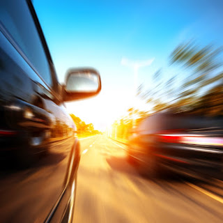Tips Menyalip Kendaraan Lain