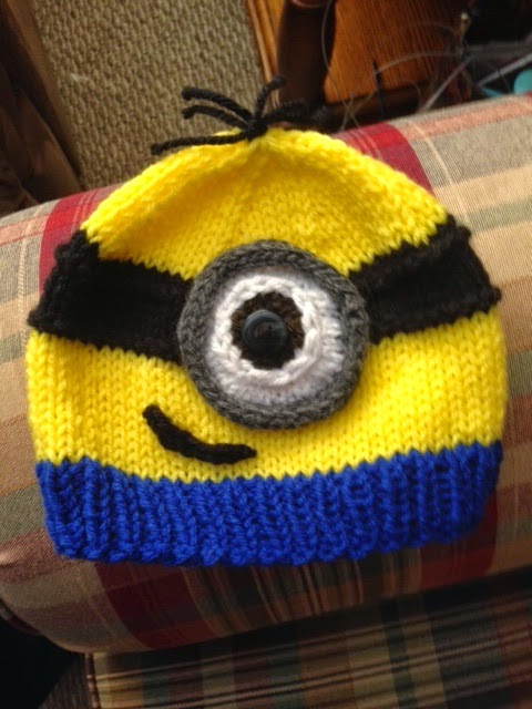Free Knitting Patterns Baby Hat : Kriskrafter: Free Knitting Pattern! A Minion Hat