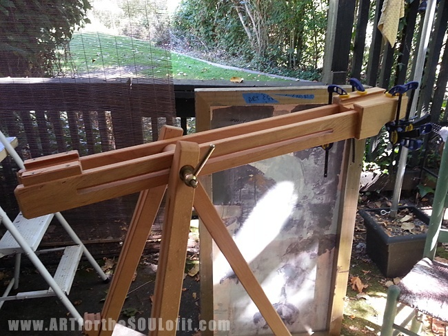 new $10 mabel field easel from swap meet now for some DIY
