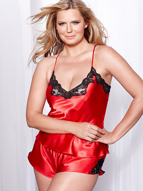 Fredericks Of Hollywood Revamps Their Plus Size Line Stylish Curves