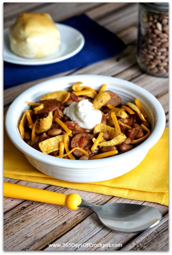 Recipe for Slow Cooker Chili With Pinto Beans and Sausage #slowcookerrecipe #chili #crockpot