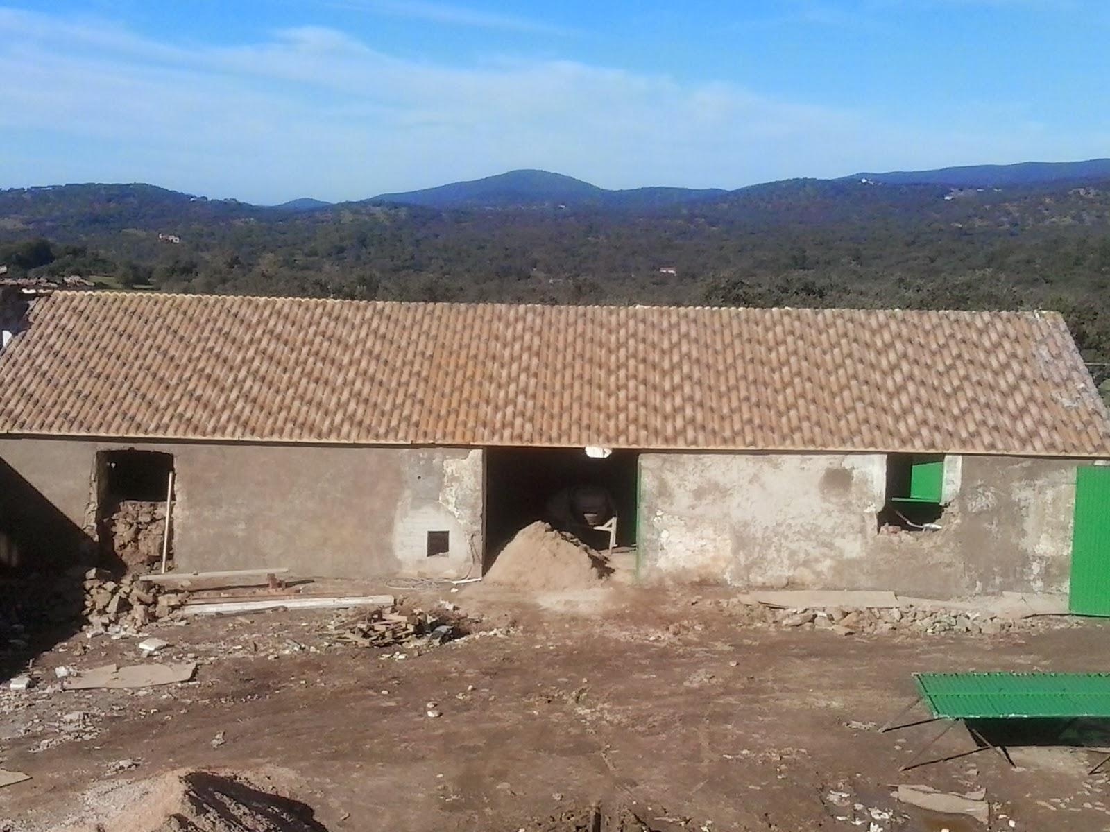 Arreglar tejado de chapa tejados de naves y locales en for Chapa sandwich imitacion teja