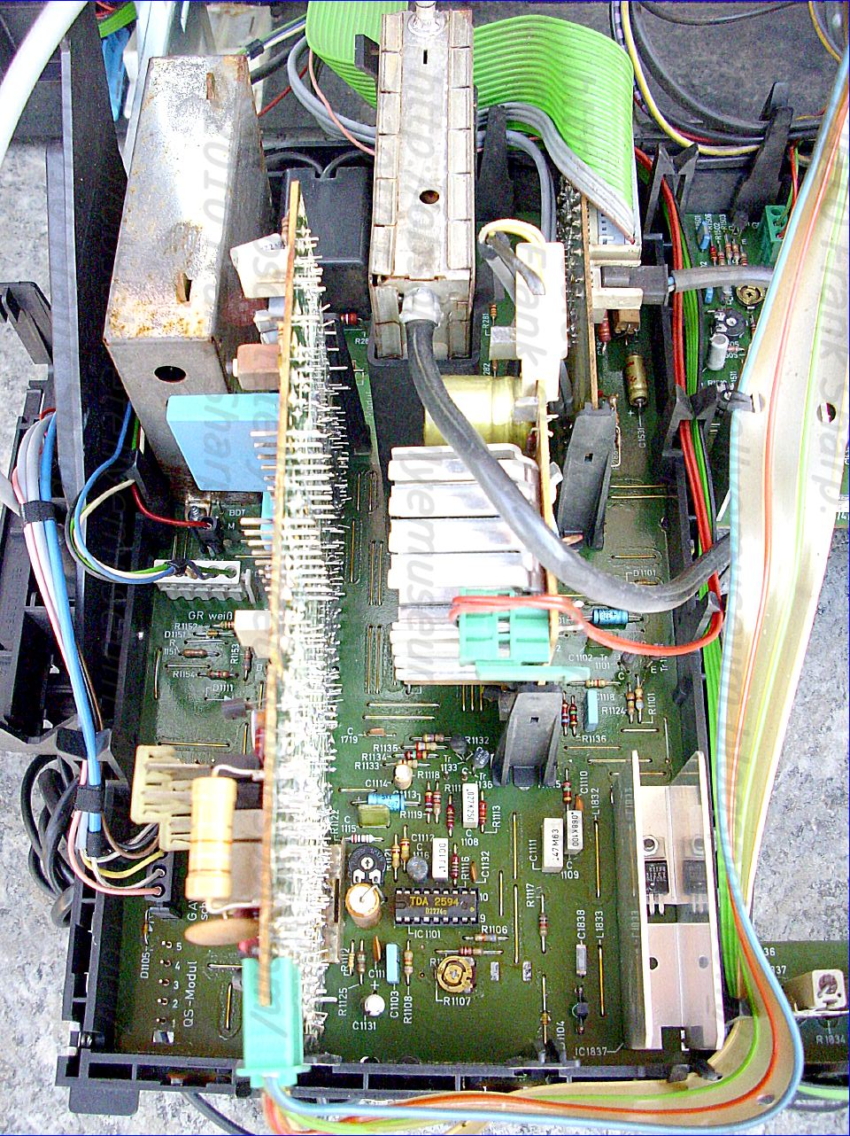 Obsolete Technology Tellye Metz 7285 Mallorca Color Chassis 681g Input And Output Coupling Bipolar Junction Transistors Electronics More Precisely The Lowering Voltage At Emitter Of Transistor 43 Raises A Threshold In Automatic Chroma Control Detector 33 So That
