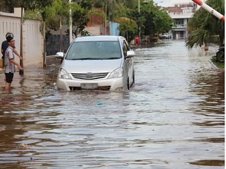 Banjir Di Pluit Makin Meninggi Nasionalxpos Co Id