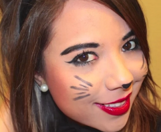 sexy cat Halloween makeup style for girls