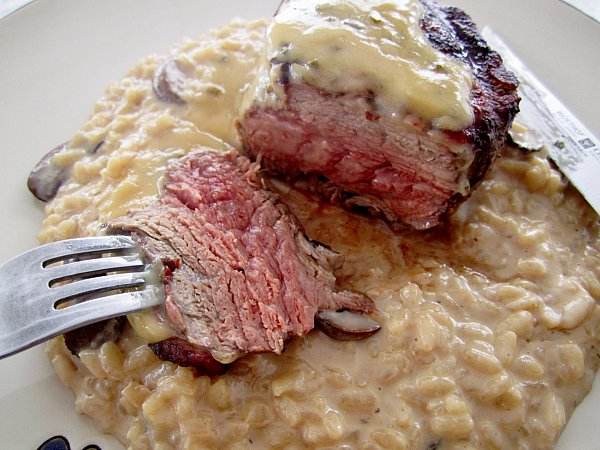 Filet+Mignon+with+White+Truffle+Cream+Sauce+and+Mushroom+Risotto+%287 ...