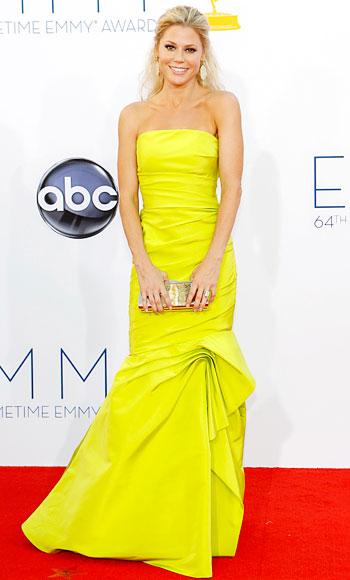 Julie Bowen Emmys dress, Monique Lhuillier, Emmys 2012