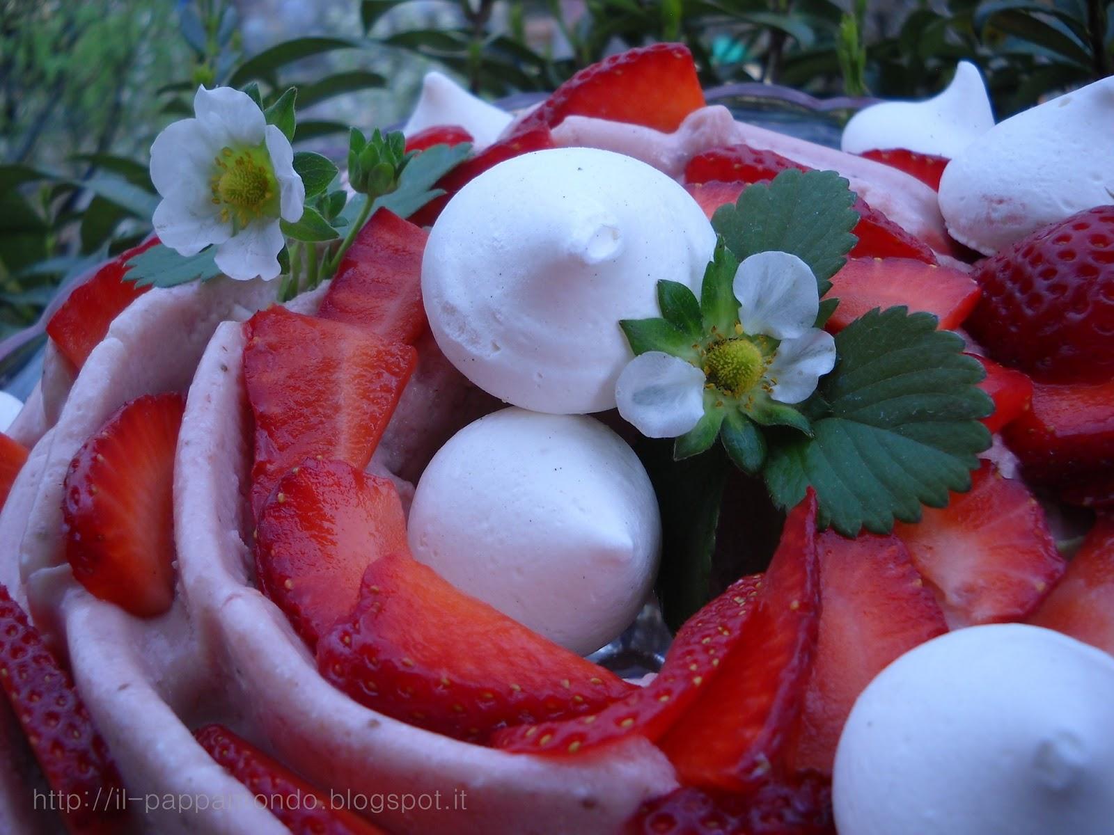 bavarese alle fragole con meringhette