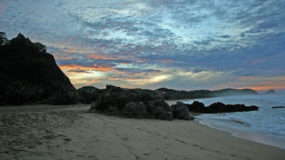 4 Pantai Paling  Mistis/Berhantu Di Dunia