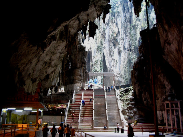 https://en.wikipedia.org/wiki/Batu_Caves