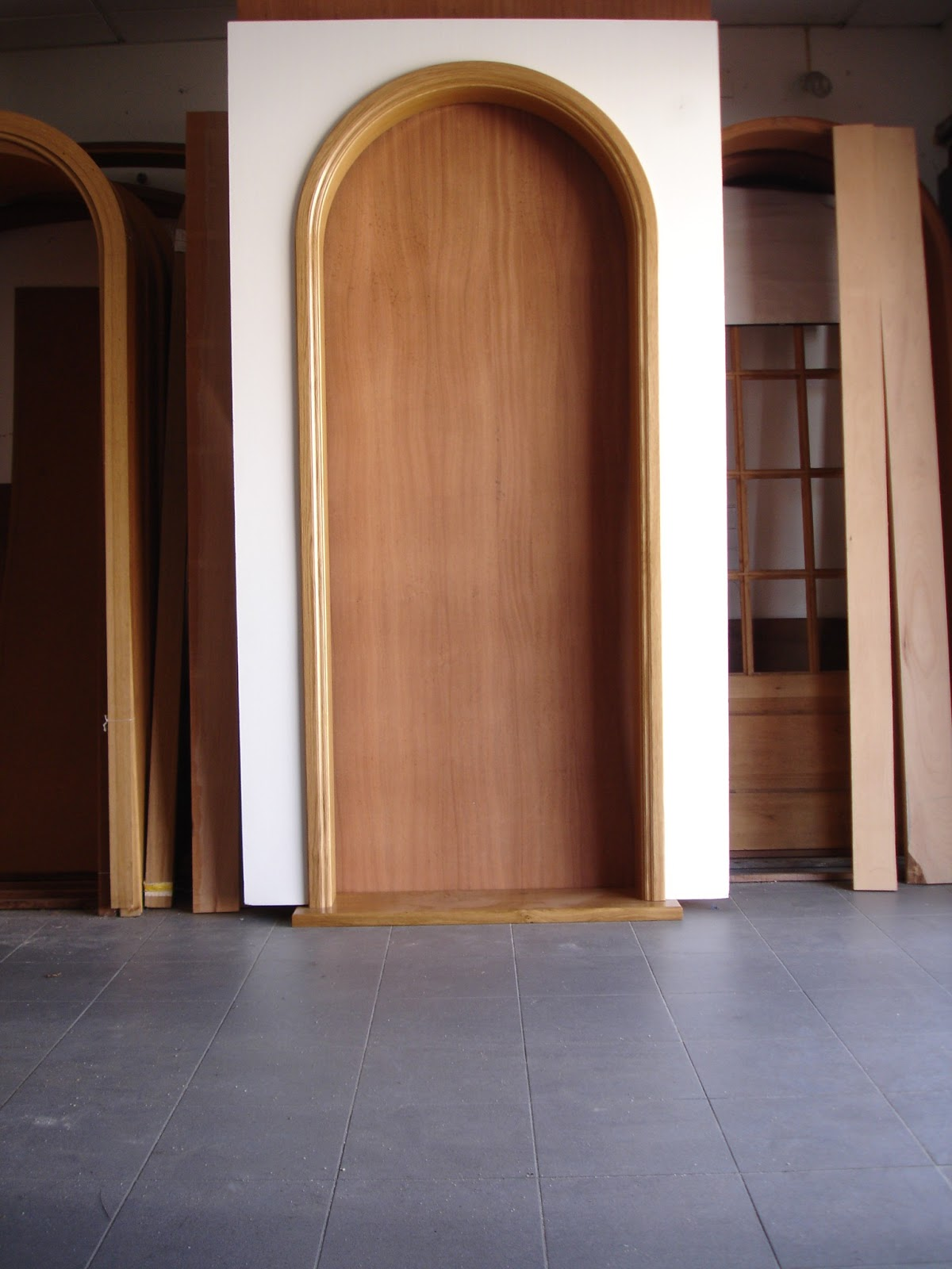 #926339 Porta redonda inteira em madeira maciça. 1372 Preços De Janelas De Madeira Em Volta Redonda