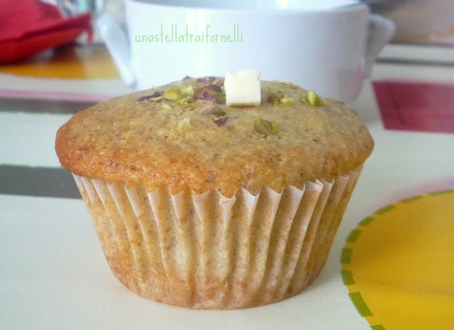 muffins senza uova né burro con pistacchi e cioccolato bianco