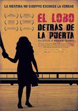 El lobo detrás de la puerta (2013)