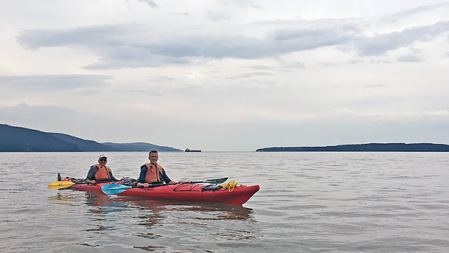 Kayak de mer sur le fleuve Saint-Laurent