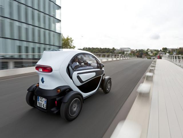 La motociclistica Renault Twizy - Quasi uno scooter elettrico