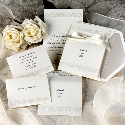 Elegant Wedding Cards on White Roses Wedding Invitation Card  Image Source My Wedding Dresses