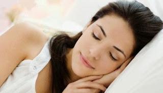 bahaya tidur memakai bra