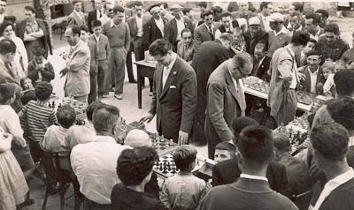 Simultáneas de ajedrez en Castellar de N'Hug en 1957