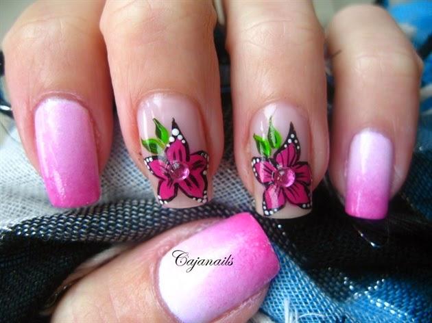 Pink Flower Nail Art|http//refreshrose.blogspot.com/