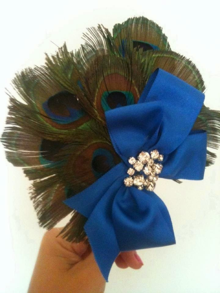 tocado azul pavo real