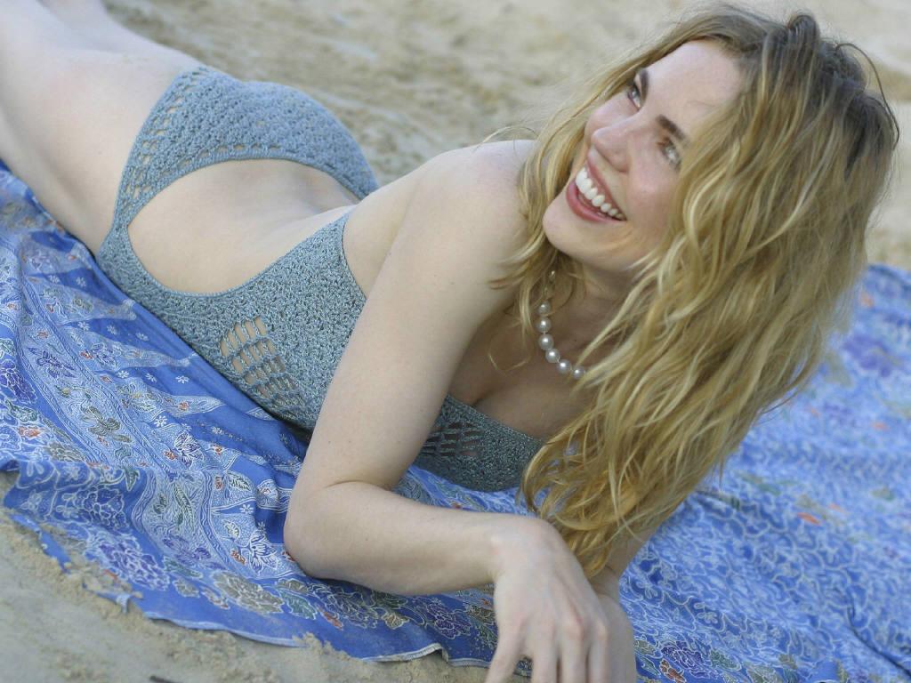 Melissa george bikini pictures