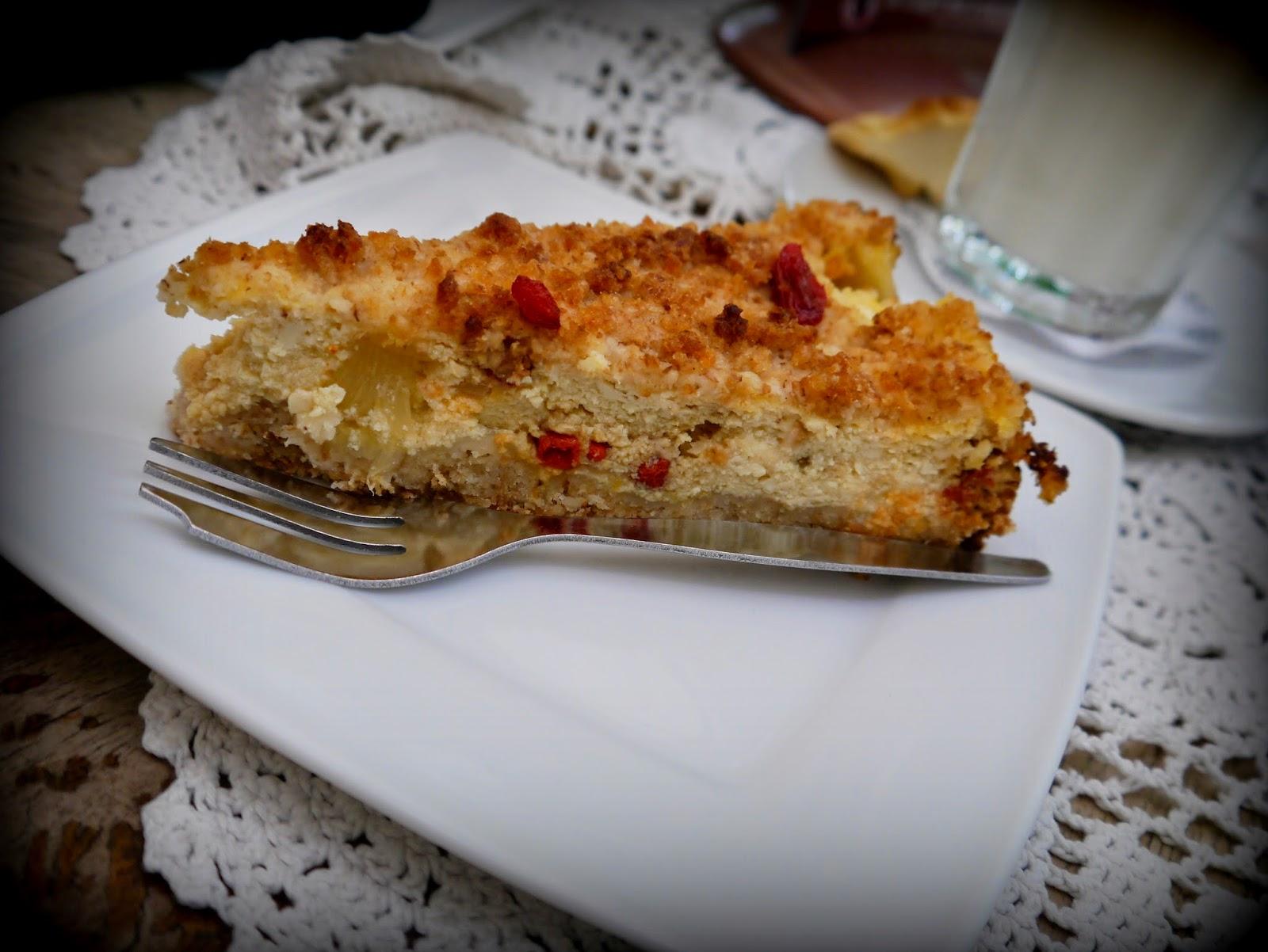 Cafe Bunkier, Srnik wegański z tofu i jagodami goji