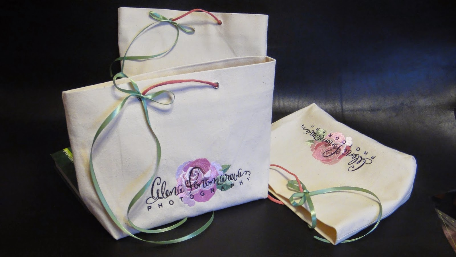 Упаковка с логотипом для книг и альбомов