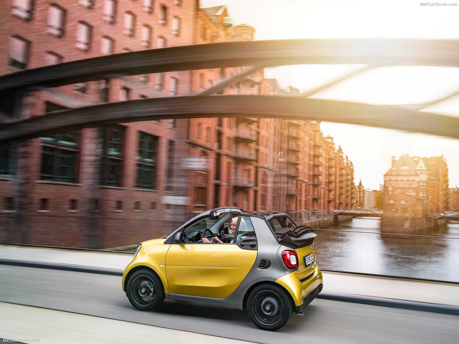 Hình ảnh xe ô tô Smart fortwo Cabrio 2016 & nội ngoại thất