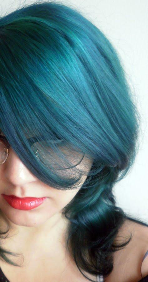 coloration cheveux bleu marine coiffures populaires. Black Bedroom Furniture Sets. Home Design Ideas
