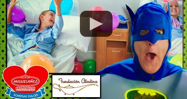 """Batman y Robin bailan por una buena causa en el nuevo spot de """"Fundación Aladina"""""""