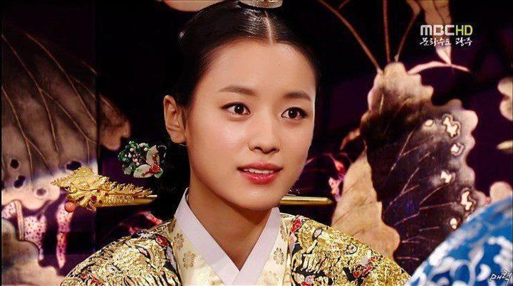Han Hyo Joo Queen Pics of Han Hyo Joo