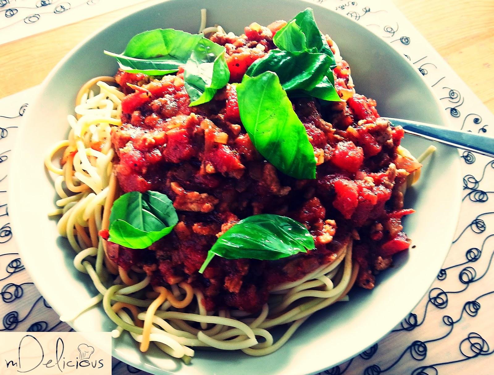 spaghetti, spagetti, sos boloński, makaron spaghetti, spaghetti przepis, bolognese,