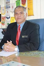 Pengetua SMK Tinggi Melaka