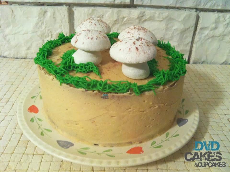 Dvd cakes cupcakes de avellana y una tarta con unas for Setas decoracion