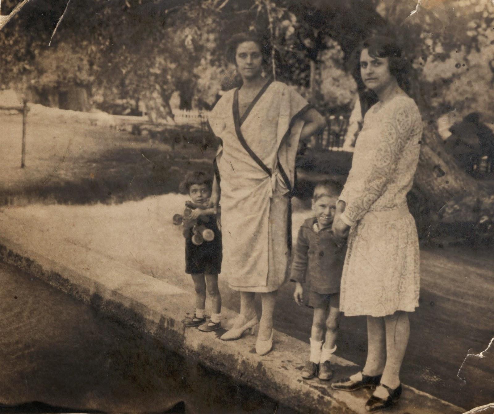 Αστικά πρόσωπα - φωτογραφίες της γιαγιάς μου