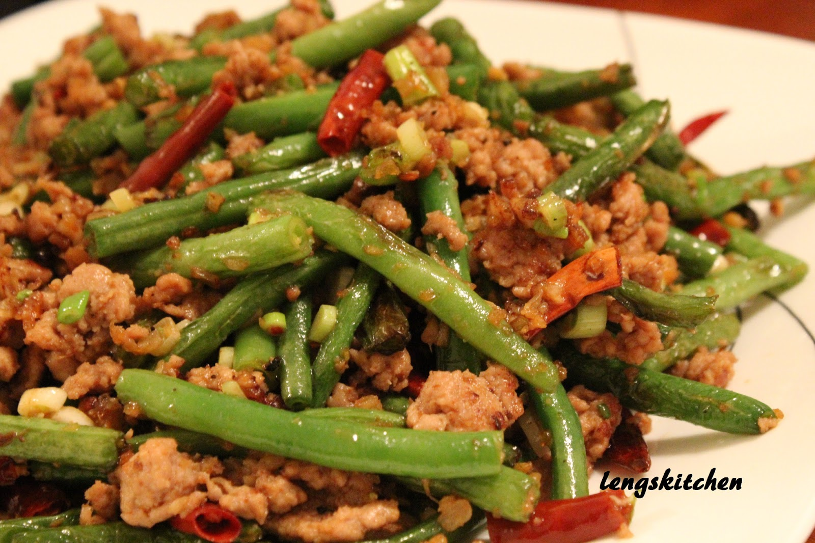 Kitchen Chaos: Szechuan Dry Fried Green Beans 四川干煸四季豆