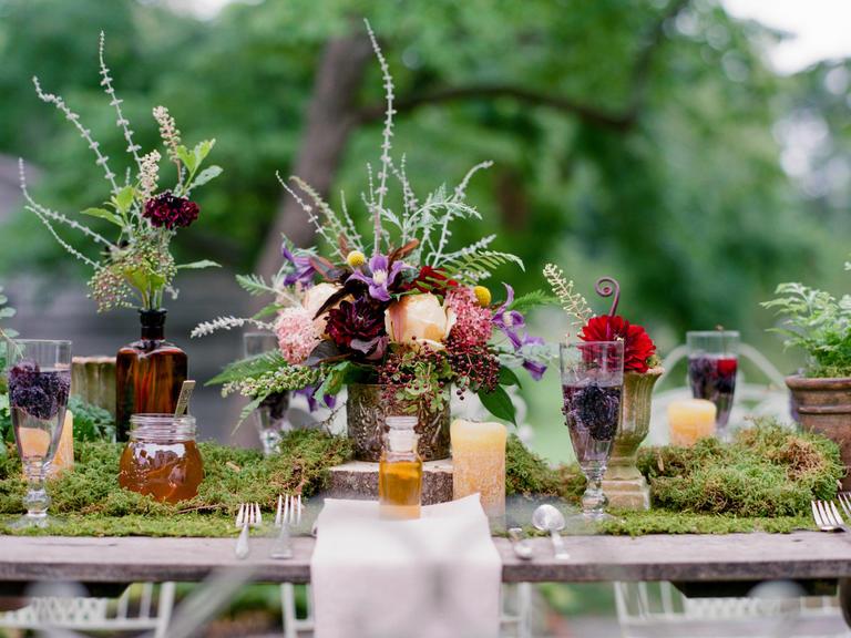 Tables en f te des id es de d coration de table v g tale - Mousse decoration ...