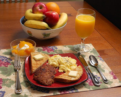 Protein in the morning helps you avoid junk food