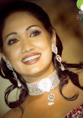 Piumi Shanika Botheju sexy