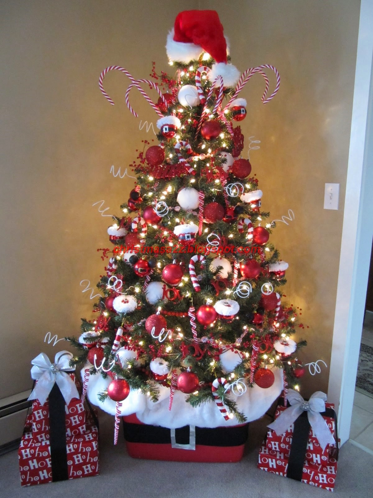 best artificial decorated christmas tree in 2014 - Best Decorated Christmas Trees 2014