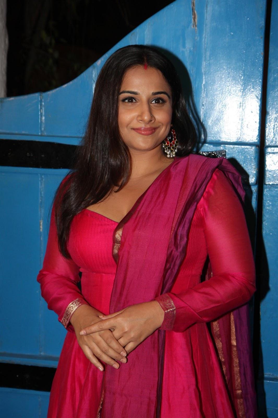 High Quality Bollywood Celebrity Pictures: Vidya Balan