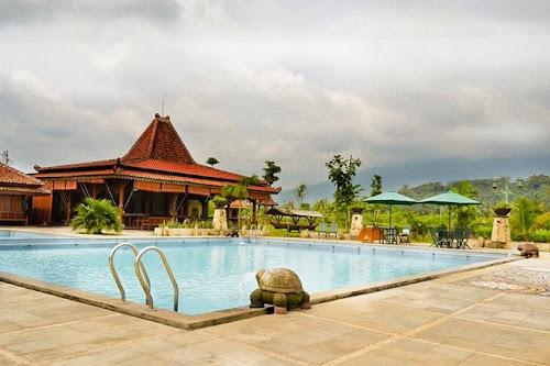 Foto Kolam Renang Balemong Resort